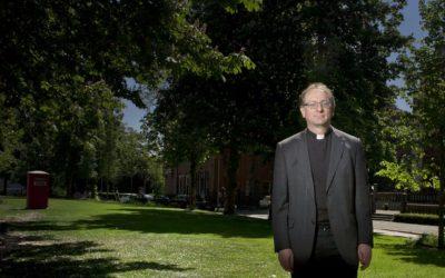 Gedragen worden door parochianen