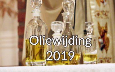 Oliewijding bisschop in Leeuwarden