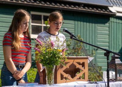ParS0630.198 jongerenviering tuin